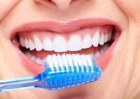el cepillo dental y las bacterias