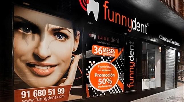 Fachada clínica dental Funnydent
