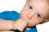 El hábito de succionar el dedo pulgar